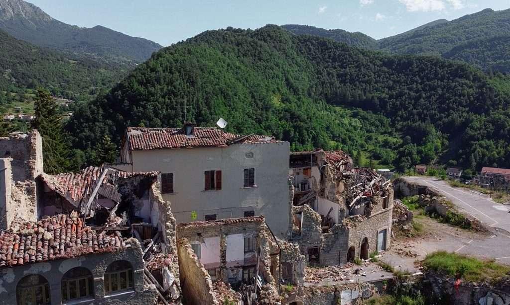 Immagine drone sisma Arquata del Tronto
